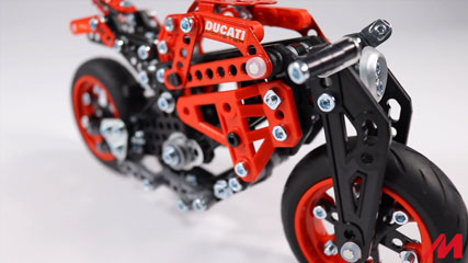 Meccano Ducati Monster: Meccano/Erector Ducati Monster 1200S (16305)