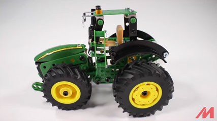 Meccano F18 John Deere 8R: Meccano/Erector| John Deere 8R Tractor (18302)